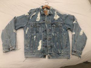 Vintage distressed Levis Denim Jacket (Men's - M) for Sale in Los Angeles, CA