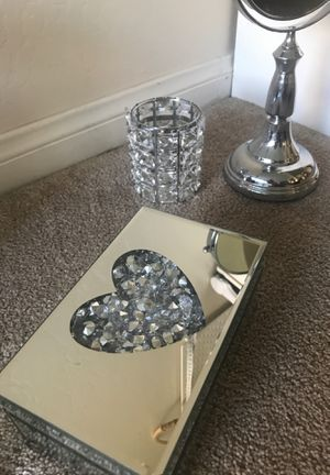 Mirrored room decor for Sale in Bakersfield, CA