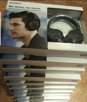 SONY NO WIRES, NO NOISE CANCELLING HEADPHONES for Sale in Los Angeles, CA