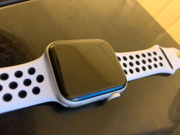 Apple watch series 4 44mm Cellular/GPS