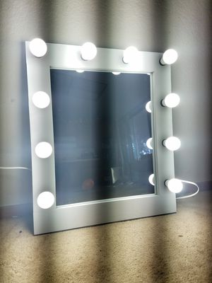 Makeup Vanity mirror. for Sale in Moreno Valley, CA