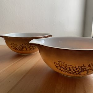(2) Two Vintage Pyrex Casserole Baking Dishes / Bowls for Sale in Fresno, CA