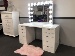 Hollywood Bluetooth Vanity Mirror w/ Desk on SALE 🔥 for Sale in Fresno, CA