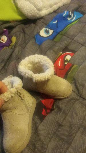 Cat & jack size 6c toddler girl boots for Sale in Oklahoma City, OK