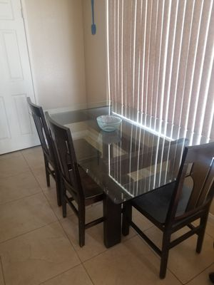 Kitchen table for Sale in Moreno Valley, CA