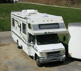Must sell due to health 1997 Ford Jayco Class C Motor Home for Sale in Nashville,  TN