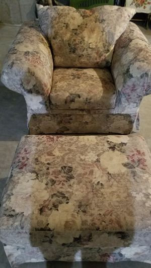 Sealy overstuffed chair and ottoman for Sale in Stoneham, MA