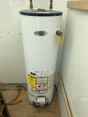 40 Gallon gas hot water heater (tall boy) for Sale in Richmond Heights, OH