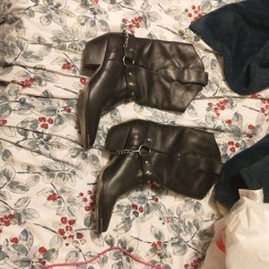 Code Wrestler Boots Size 8 for Sale in Sunbury, OH