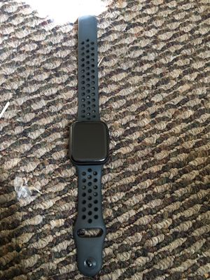 Space gray Apple Watch Series 4 for Sale in Washington, DC