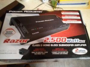 Razor 2500 watt D amp for Sale in Aurora, NE