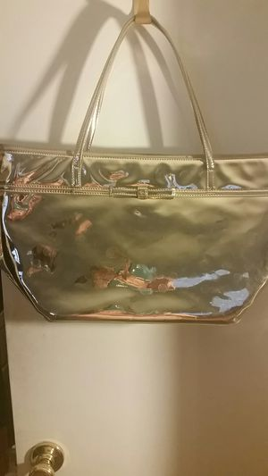 Kate Spade Large Shiny Tote for Sale in Las Vegas, NV