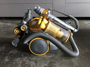 Dyson Telescope DC11 FULL GEAR Canister Bagless Vacuum Cleaner Yellow/Silver for Sale in Portland, OR