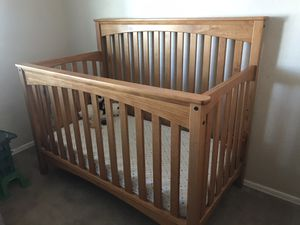 Crib, dresser, changing table for Sale in Glendale, AZ