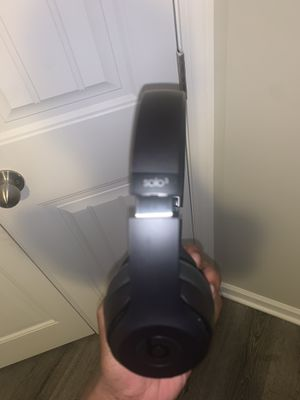 Beats wireless solo 3s for Sale in Raleigh, NC