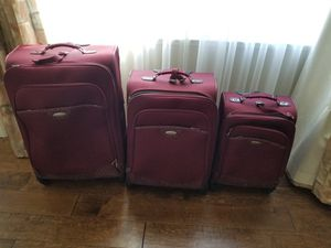 Soft shell suitcase set of three. Samsonite brand for Sale in Vallejo, CA