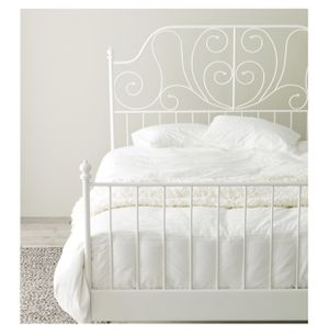 White metal bed frame for Sale in Portland, OR