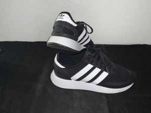 Kids size 6 adidas for Sale in Jurupa Valley, CA