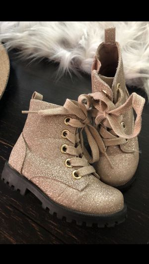 Glitter Gold toddler boots size 7 for Sale in Queen Creek, AZ