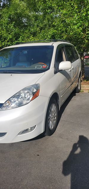 2007 Toyota sienna limited awd for Sale in Falls Church, VA