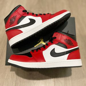 Jordan 1 Mid Chicago Black Toe Size 8 , 9.5 , 12 for Sale in Los Angeles, CA