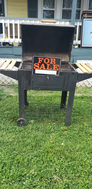 Bbq grill for Sale in Cleveland, OH