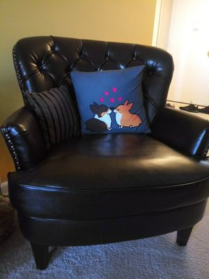 Chocolate Brown leather chair for Sale in St. Louis, MO