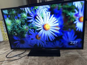 45 inch Toshiba (no remote) excellent cond. for Sale in St. Petersburg, FL