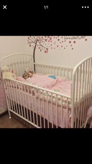 Baby crib with new mattress for Sale in Silver Spring, MD