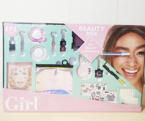 Beauty Box with 20+ Beauty Surprises. for Sale in Marshall, TX