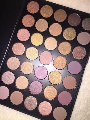 Morphe eyeshadow palette 🎨 35T for Sale in Riverside, CA