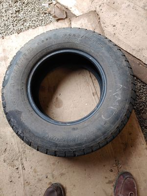 Dunlop P225/75R/15 tire for Sale in Shelton, WA