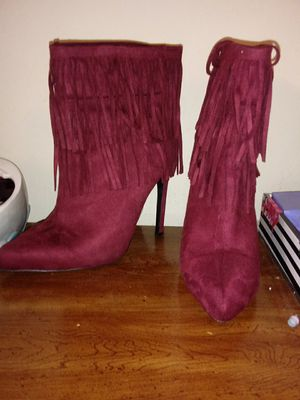 Size 9, boho chic burgundy boots w/ fringe for Sale in Orlando, FL