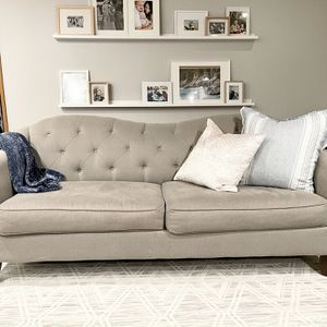 Clean Couch Loveseat grey grey for Sale in Tukwila, WA