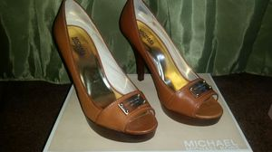 New Michael Kors shoes size 9 for Sale in Bronx, NY