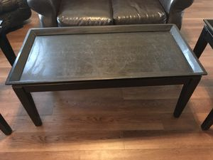 End tables and coffee table for Sale in Clovis, CA