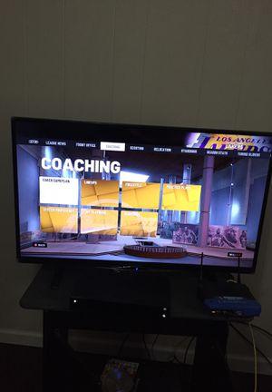 42 inch smart tv with remote for Sale in Bristol, TN
