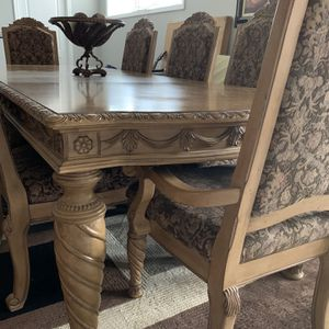Dining Room Table for Sale in Macomb, MI