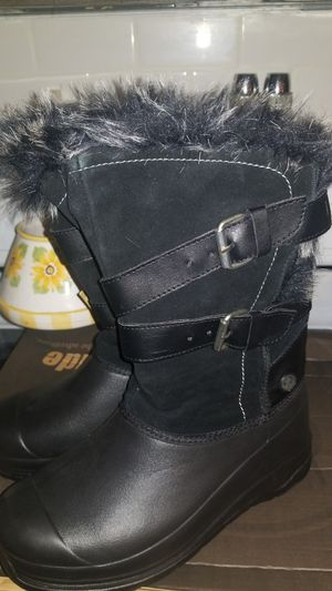 NEW CUTE BLACK FUR RAIN OR SNOW BOOTS SIZE 7 for Sale in Maple Valley, WA