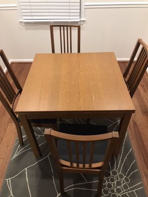 Dining Table with 5 chairs for Sale in Fairfax, VA
