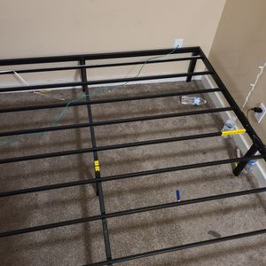 Metal King Bed Frame for Sale in Seattle, WA