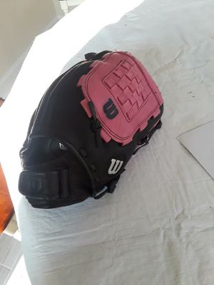 Wilson Tempest A 13 inch AO560 women's softball glove. for Sale in Stafford Township, NJ