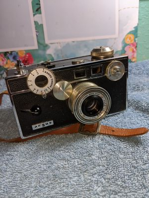 Vintage Argus c3 coated camera with leather case for Sale in Pasadena, TX