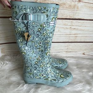 New womens rain boots size 7 for Sale in Ontario, CA