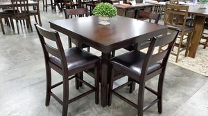 New Holland house table and 4 chairs for Sale in Wichita, KS