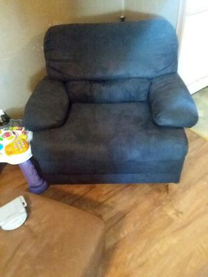 Black chair for Sale in Paducah, KY