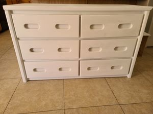 White dresser for Sale in North Las Vegas, NV