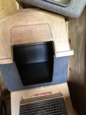 Large Dog House @ $25 for Sale in Aurora, IN
