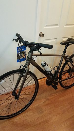 Bicycle Giant. (Bike Giant Escape 2M Satin Platinum Bronze) for Sale in Boca Raton, FL