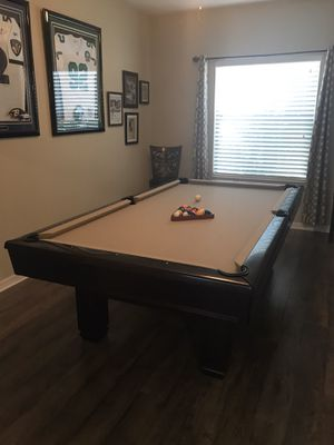 Pool Table and matching wall rack for Sale in Spring, TX
